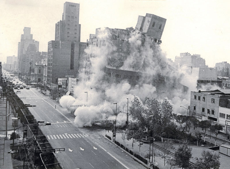 Real Estate,Demolición por afectaciones del 19S de 1985.