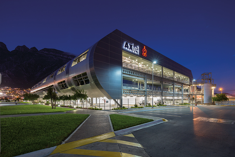 Real Estate Market, Monterrey, Corporativo Axtel fue adquirido en 2014.