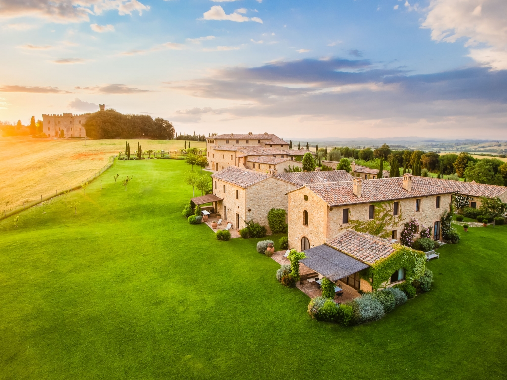 Tuscany_BorgoFinocchieto_01